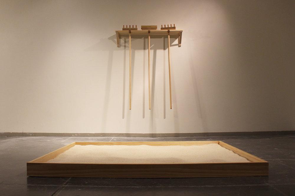 Wood, 150 lbs rice, mirror