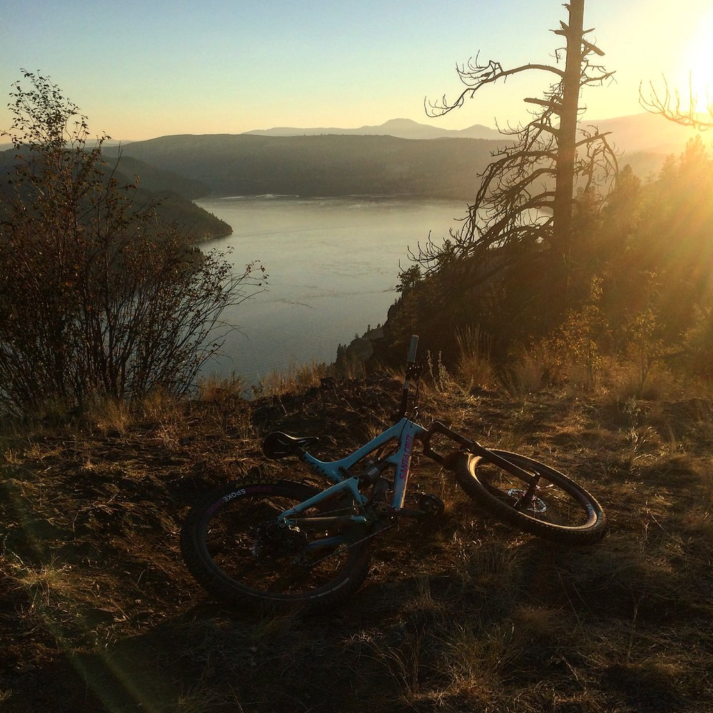 Halfway through a sunset ride in Vernon B.C. on my Nomad                      photo : therodfather