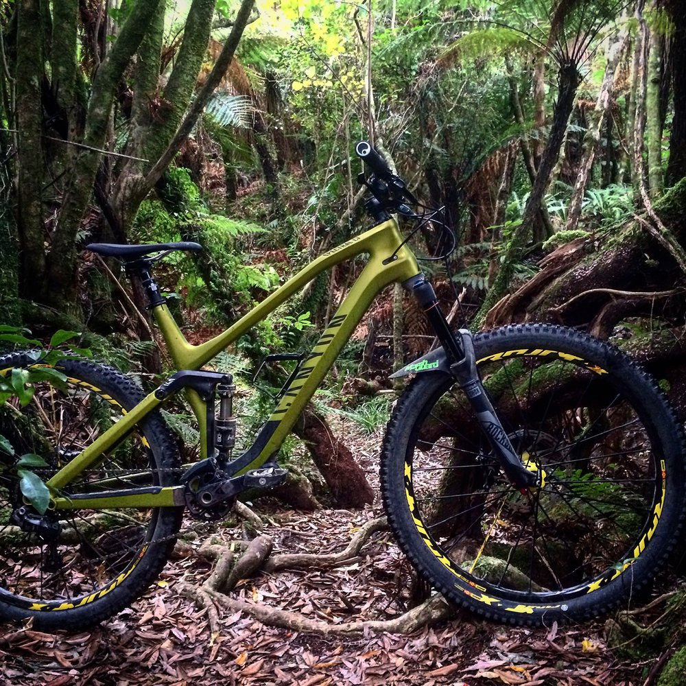 Canyon Spectral.                                 photo : therodfather   Co-op trail, Akatarawas.