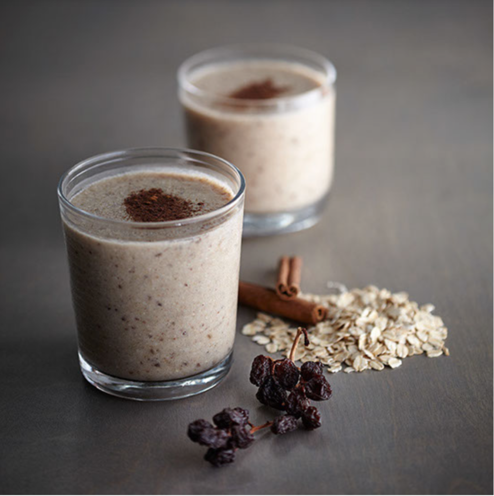 Oatmeal Cinnamon Raisin Shake ½ Cup – Cooked Oatmeal ¼ Tsp - Cinnamon ¼ Cup - Raisins 1 Tbsp – Honey 1 Scoop (25g) - Whey, Egg-White or Veggie Protein 1 Tbsp - Flaxseed Oil 1 Cup - Water Handful of Ice