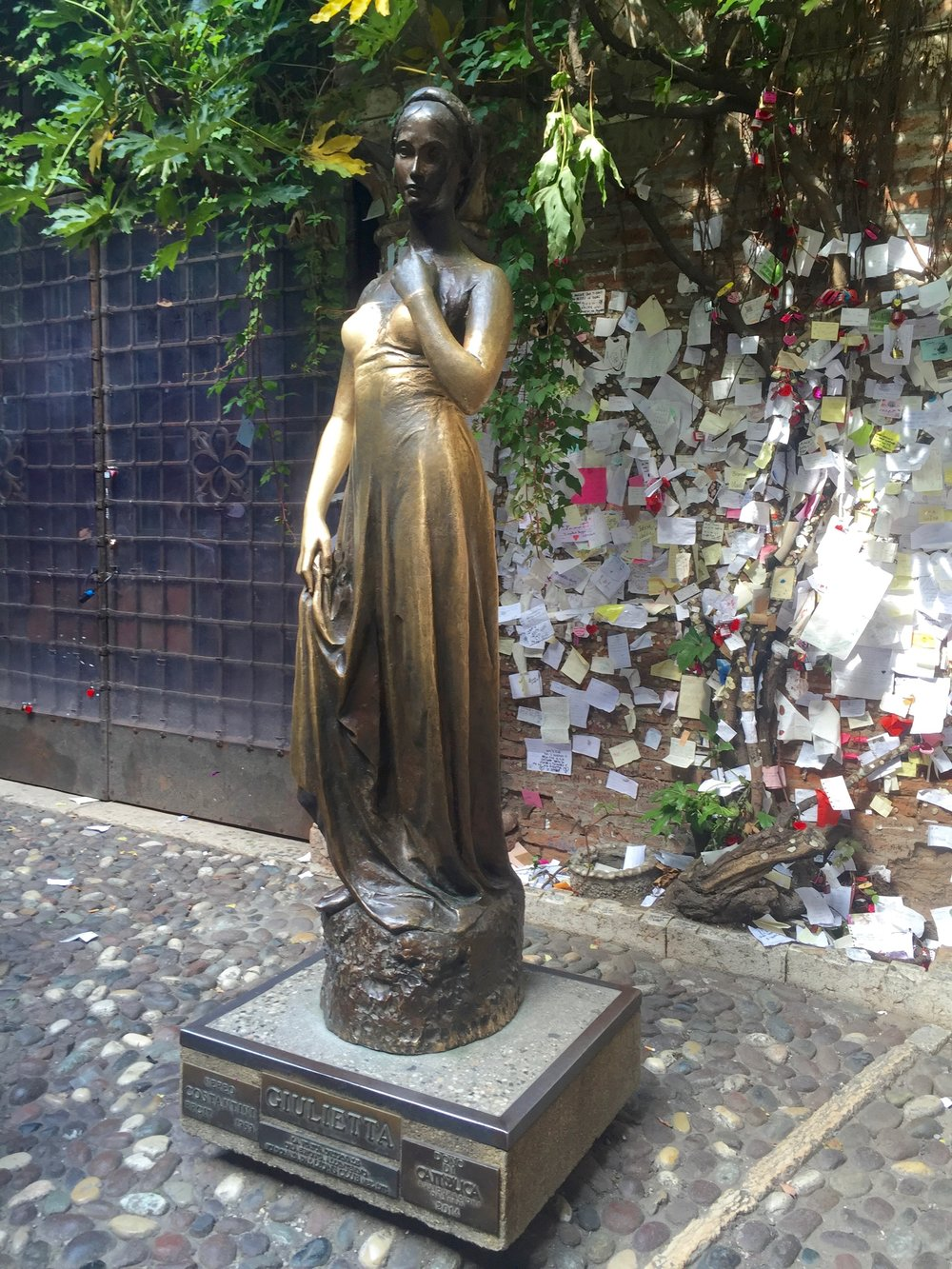 Bronze statue of Juliet (Giulietta) - rubbing her right breast is said to bring good fortune to those unlucky in love