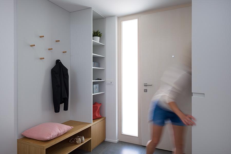 interior-Tina Rugelj_foto-Janez Marolt_H 48_vhod-entrance_01