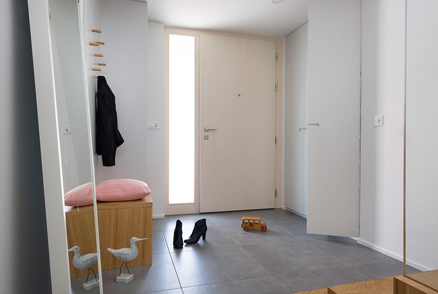 interior-Tina Rugelj_foto-Janez Marolt_H 48_vhod-entrance_02