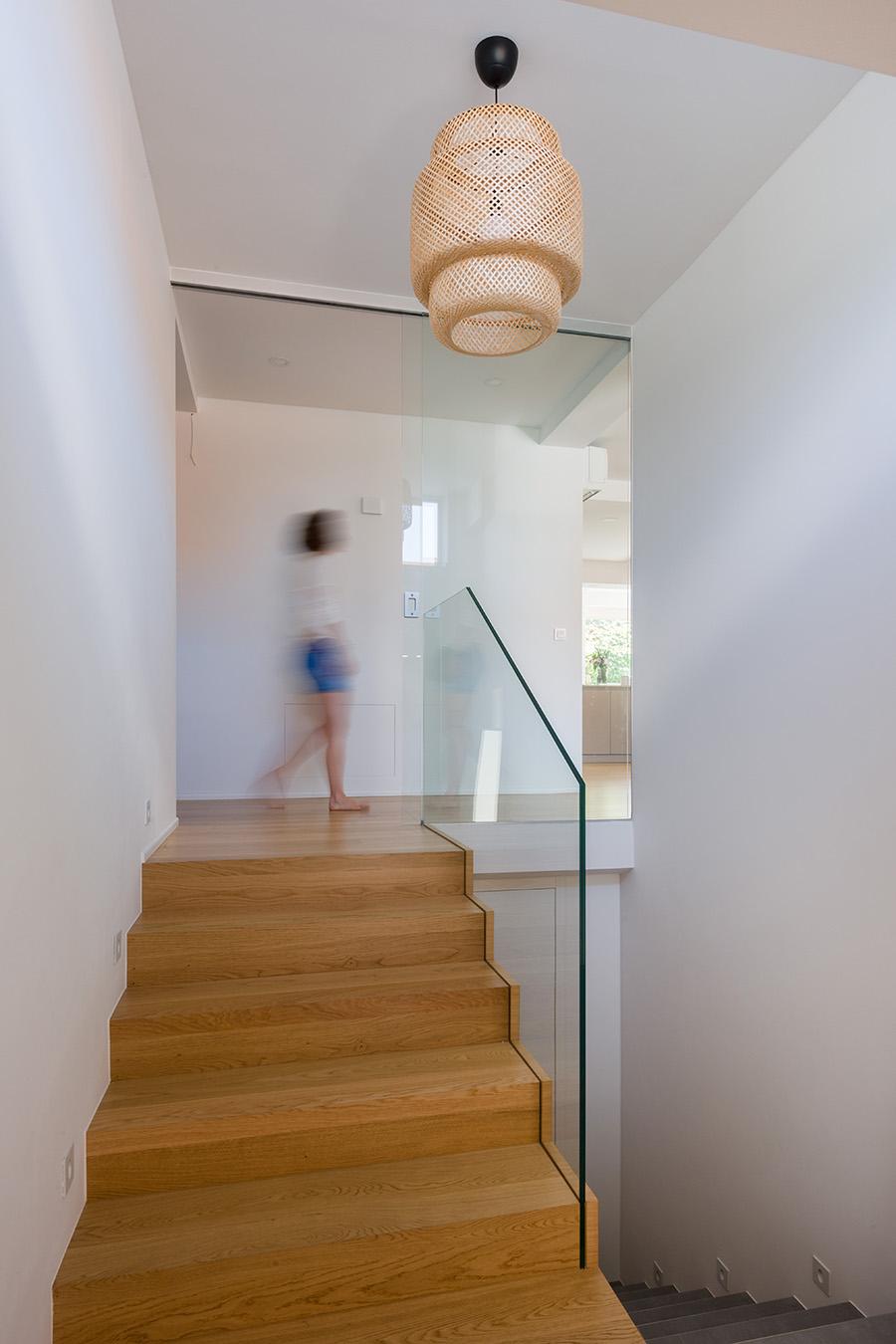 interior-Tina Rugelj_foto-Janez Marolt_H 48_luč-lamp_vhod-entrance_03