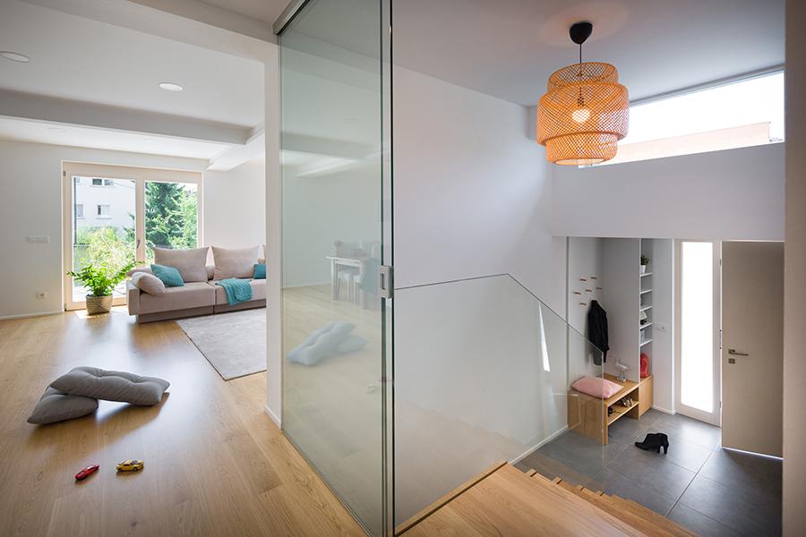 interior-Tina Rugelj_foto-Janez Marolt_H 48_vhod-entrance_luc-lamp_dnevna soba-living room_05