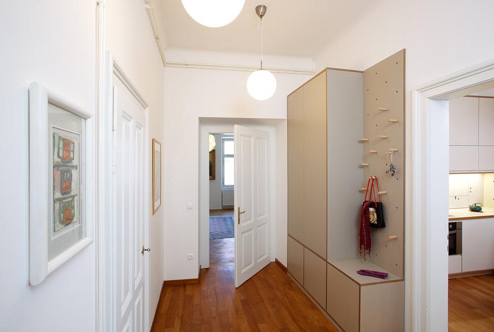 interior-Kombinat_foto-Matevž Paternoster_AP R_01.jpg