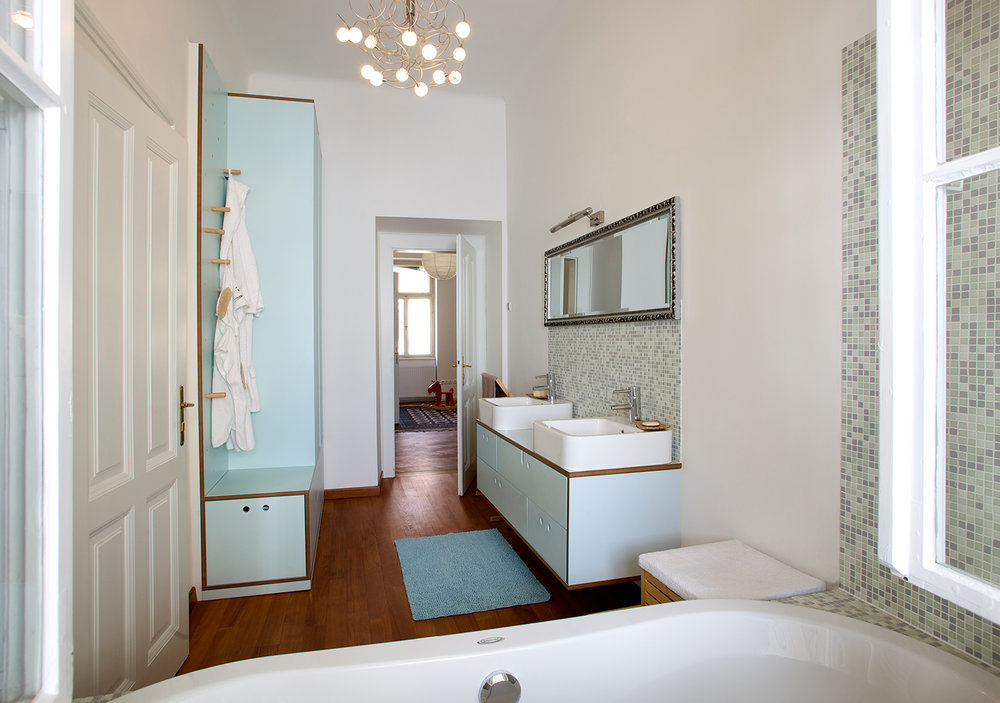 interior-Kombinat_foto-Matevž Paternoster_AP R_kopalnica-bathroom_03.jpg