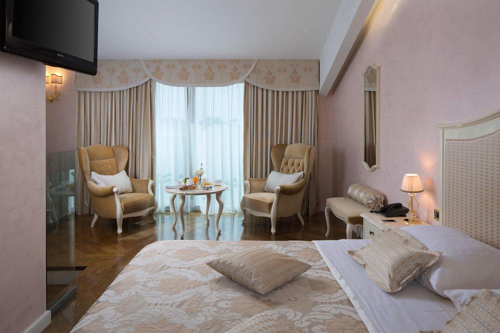 interior-Tina Rugelj_foto-Dean Dubokovič_S SR_hotelska soba-hotel suite_04