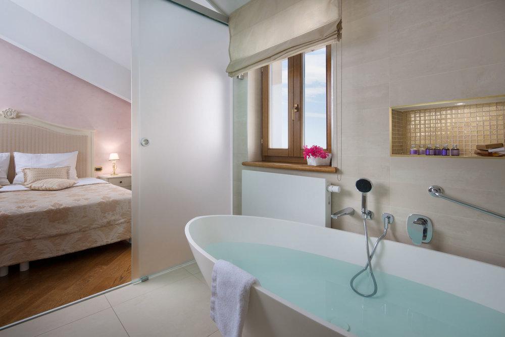 interior-Tina Rugelj_foto-Dean Dubokovič_S SR_kopalnica-bathroom_06