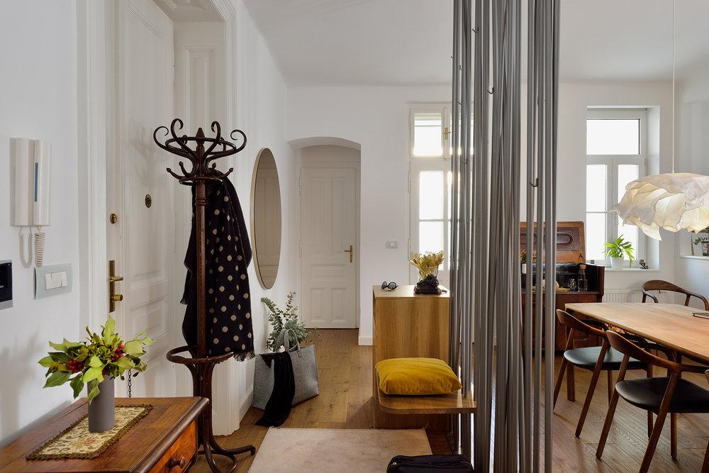 interior-Tina Rugelj_foto-Miran Kambič_AP N_vhod-entrance_02.jpg