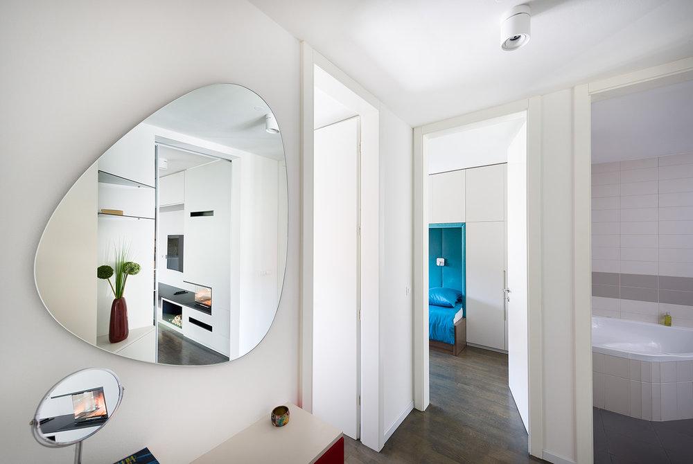 interior-Tina Rugelj_foto-Janez Marolt_AP C_hodnik-hall_04.jpg