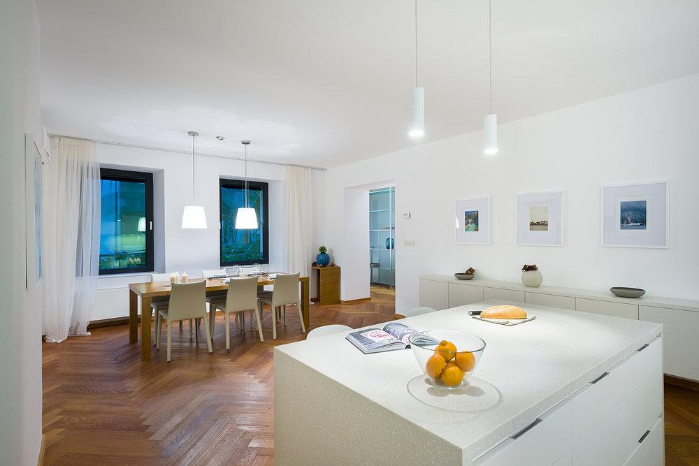 interior-Tina Rugelj_foto-Janez Marolt_AP house K_kuhinja-kitchen_jedilnica-dining room_05.jpg