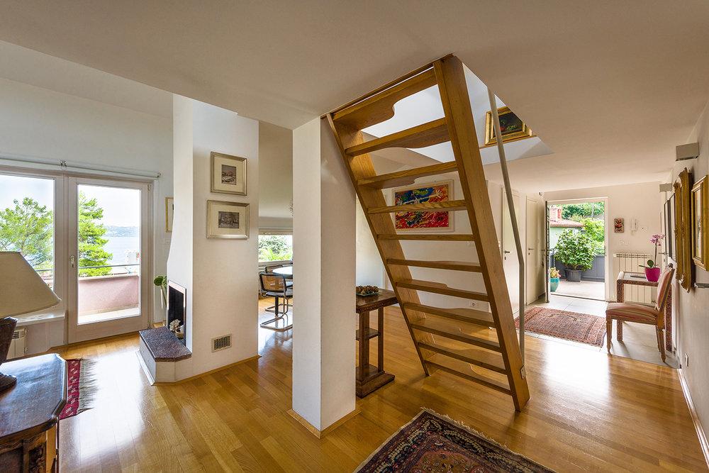 interior-Tina Rugelj_foto-Janez Marolt_H Z_stopnisce-staircase_03.jpg