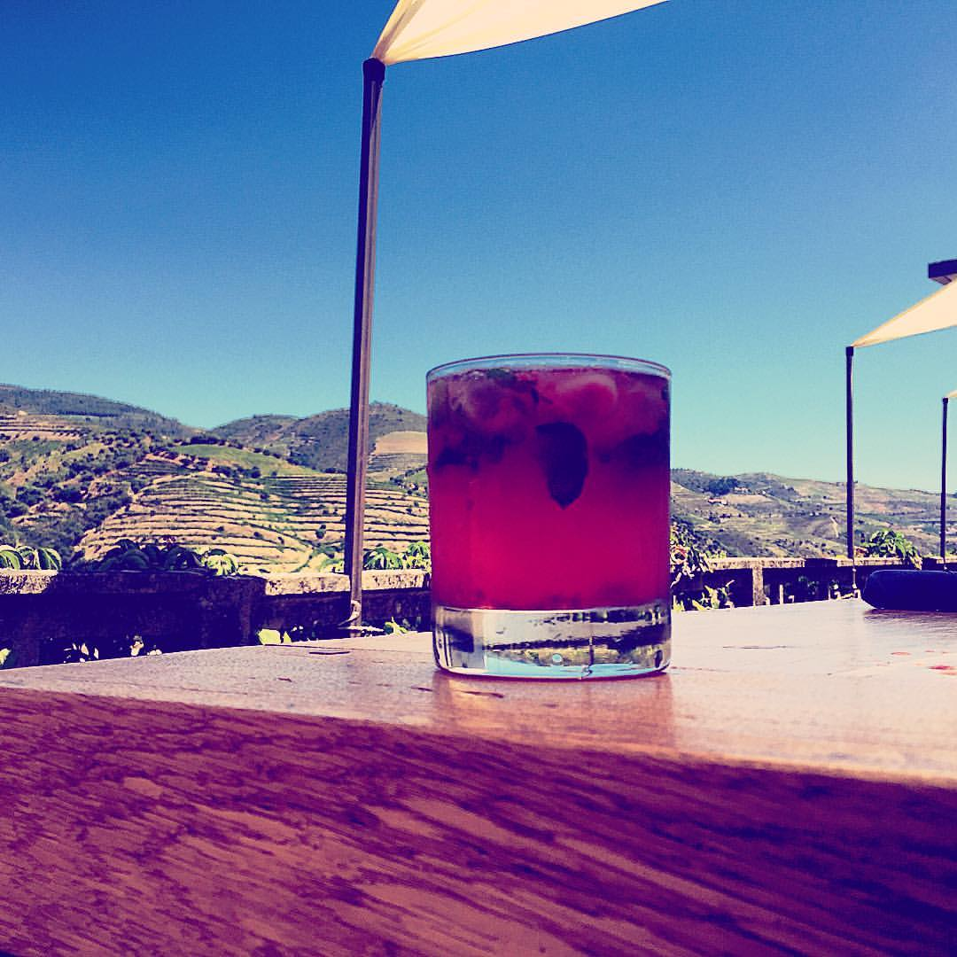 Porto Rose on the Rocks