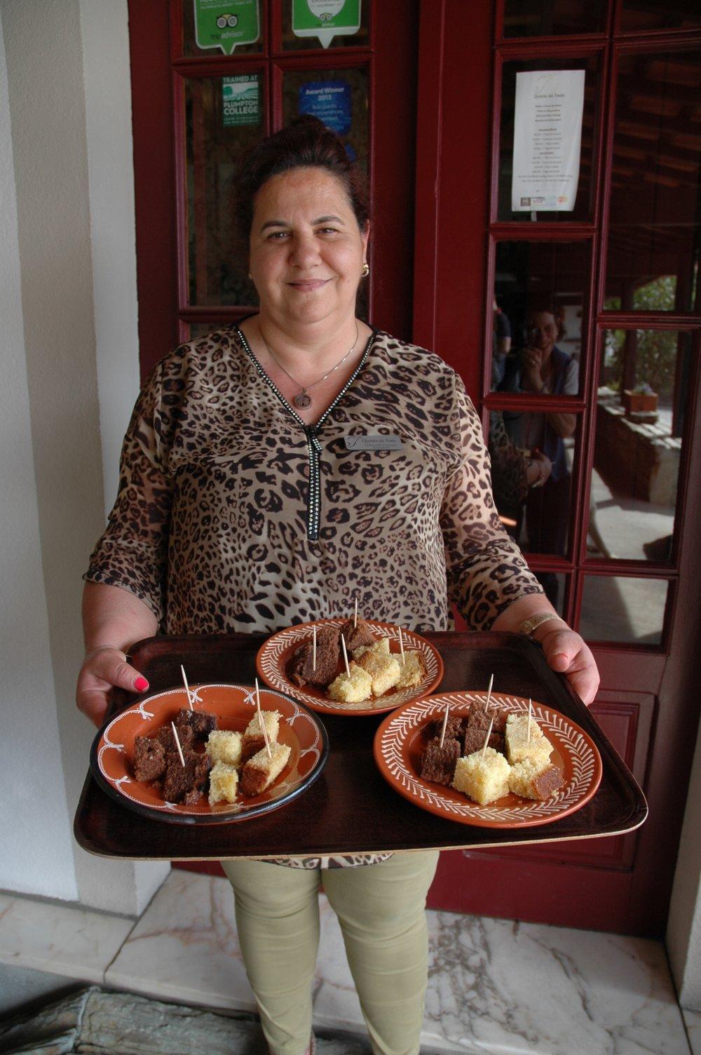 En dégustation les gâteaux d'Adelaide se marrient parfaitement avec nos Portos !
