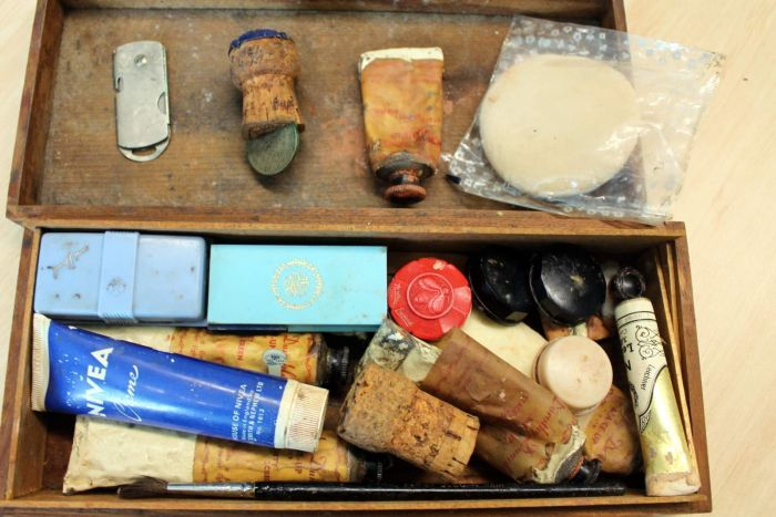ABC - Charles 'Bud' Tingwell's make-up kit paints picture of actor's dedication to craft