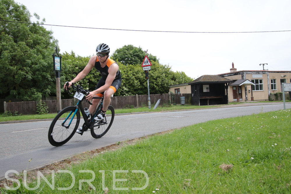 Southend-Triathlon-Cycle-Photos-in-Barling-Corner-002.jpg