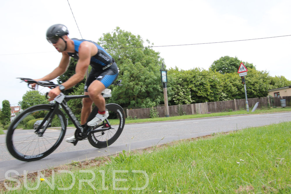 Southend-Triathlon-Cycle-Photos-in-Barling-Corner-013.jpg