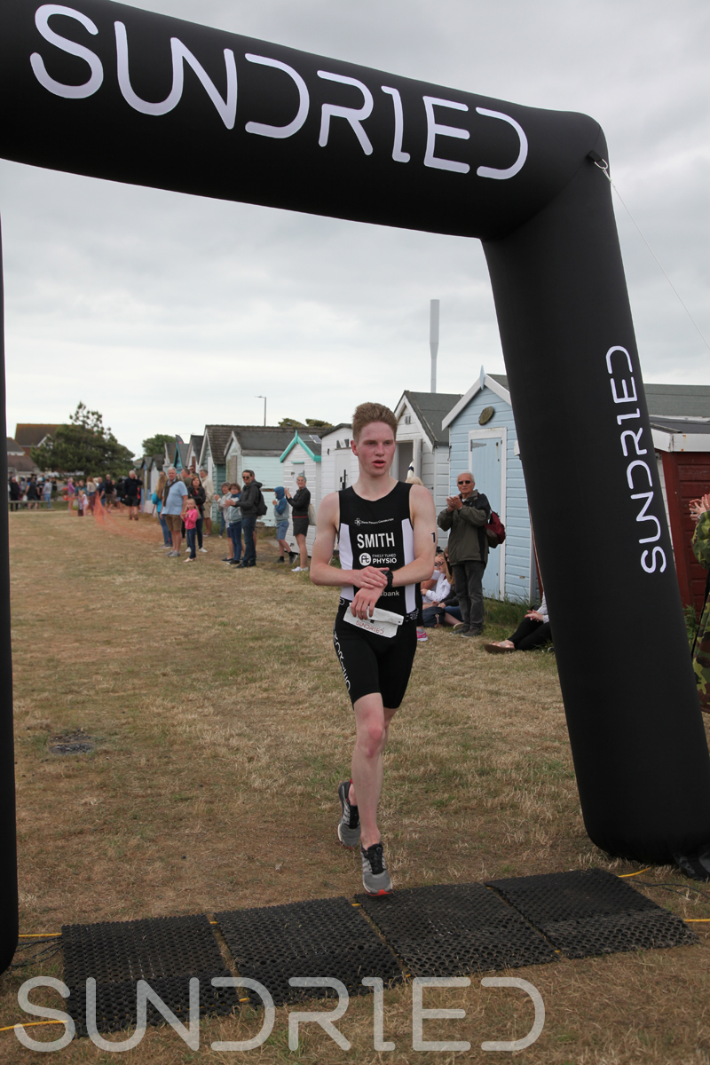 Sundried-Southend-Triathlon-2018-Run-Finish-005.jpg