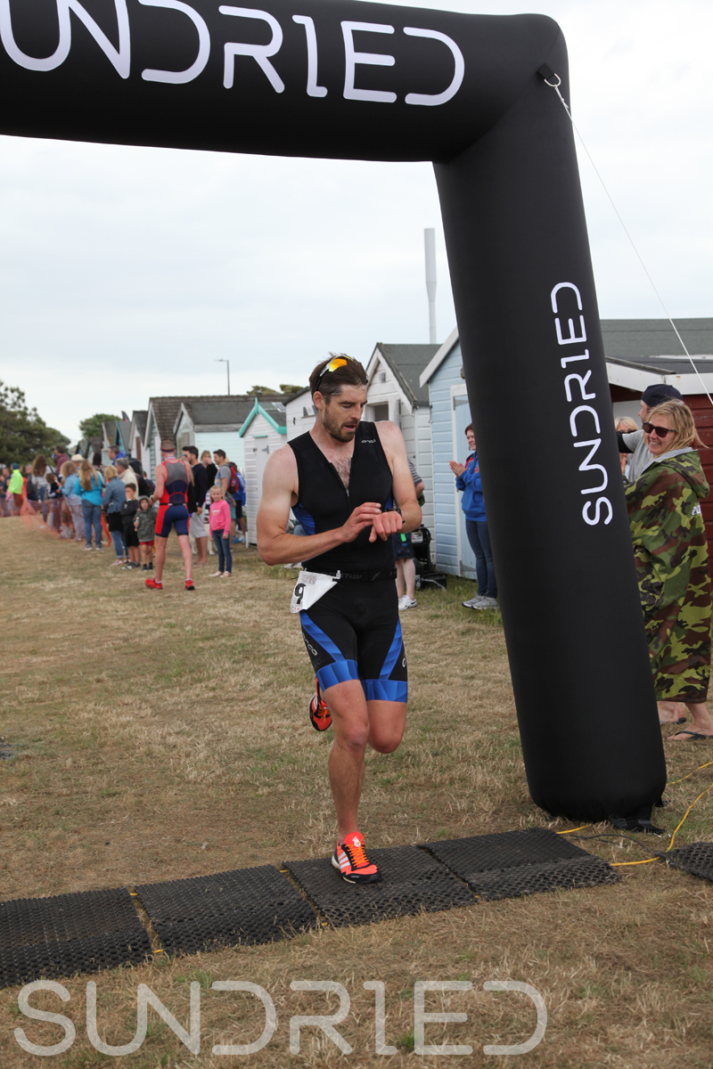 Sundried-Southend-Triathlon-2018-Run-Finish-032.jpg