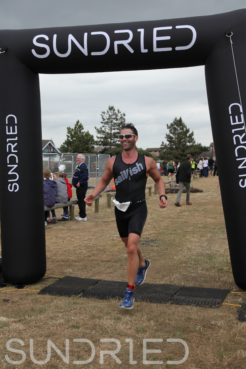 Sundried-Southend-Triathlon-2018-Run-Finish-040.jpg