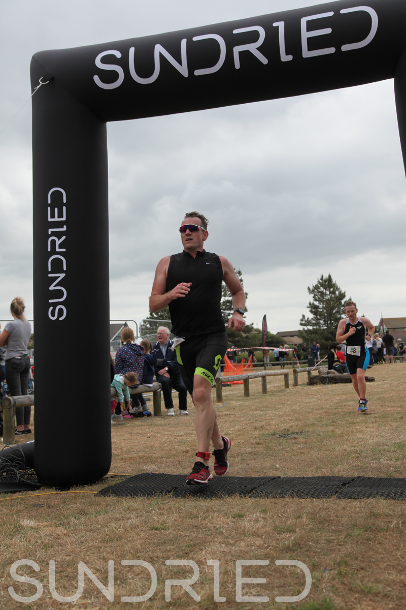 Sundried-Southend-Triathlon-2018-Run-Finish-075.jpg