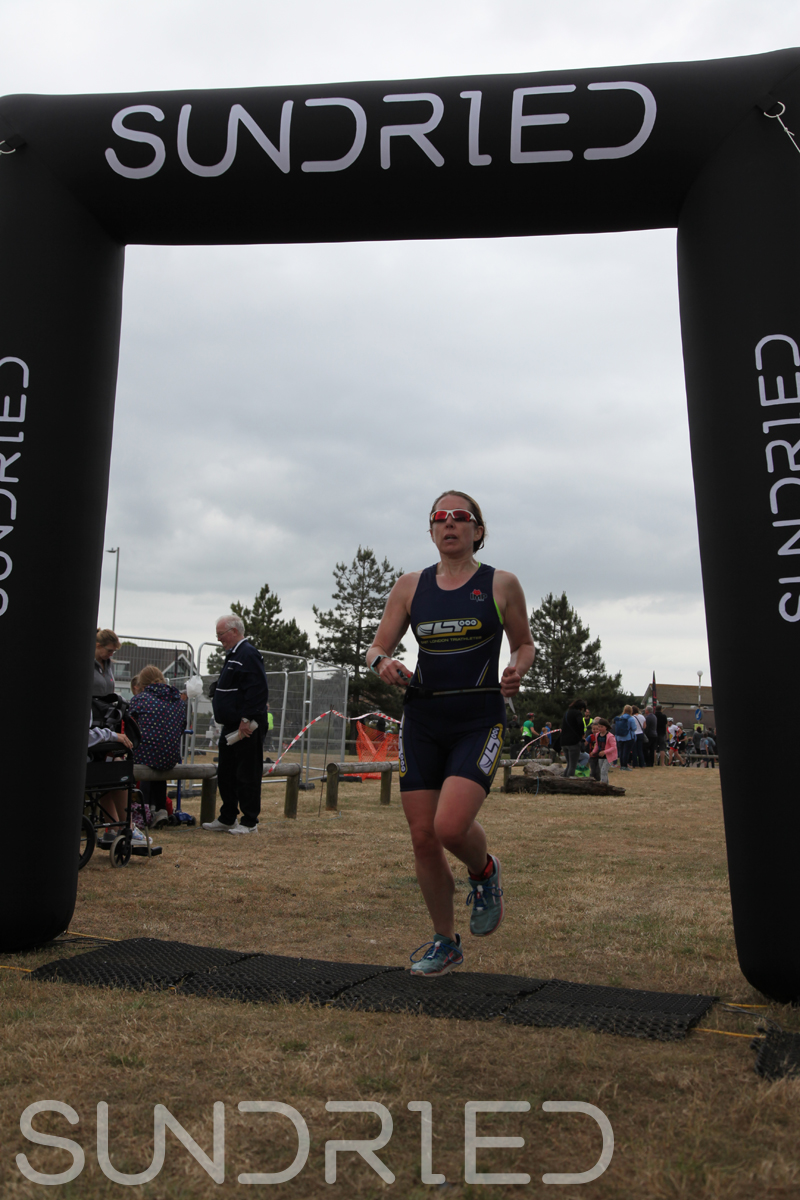 Sundried-Southend-Triathlon-2018-Run-Finish-088.jpg