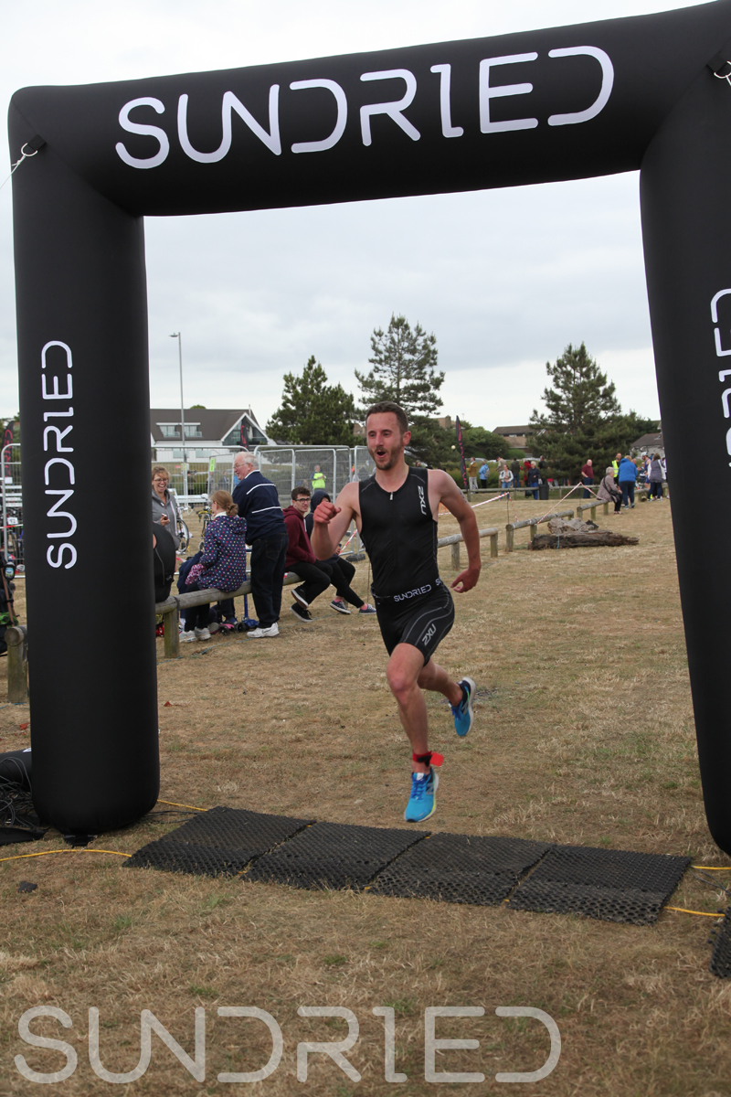 Sundried-Southend-Triathlon-2018-Run-Finish-098.jpg