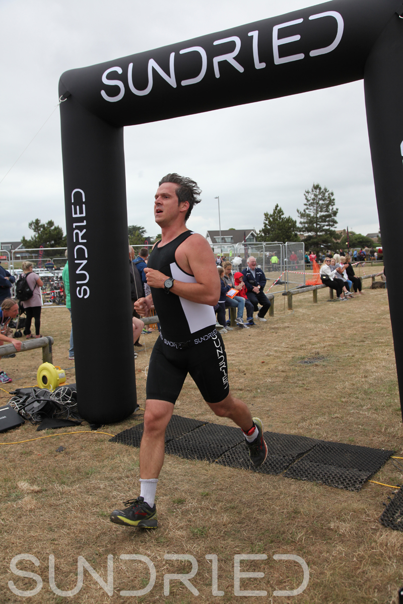 Sundried-Southend-Triathlon-2018-Run-Finish-129.jpg