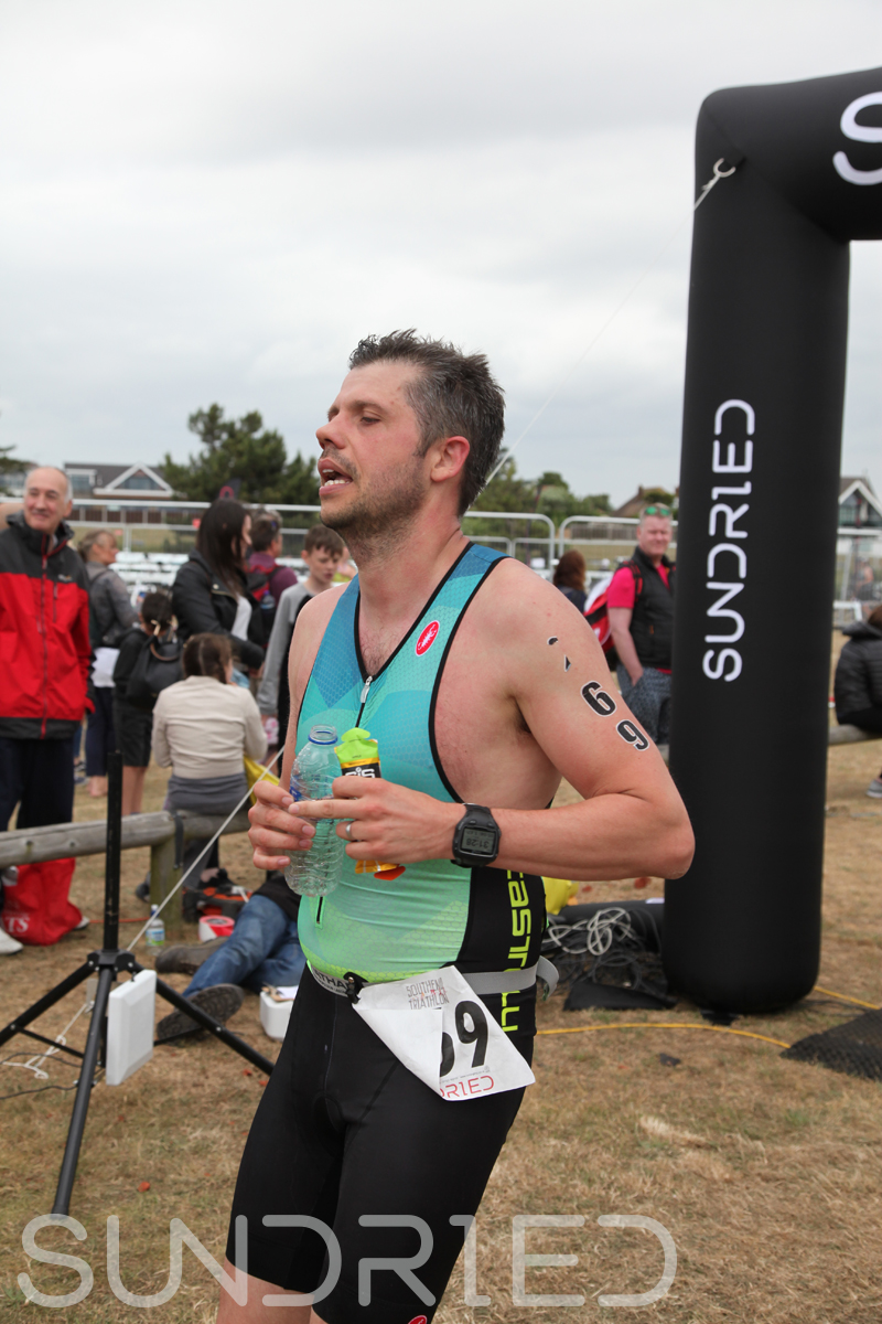 Sundried-Southend-Triathlon-2018-Run-Finish-230.jpg