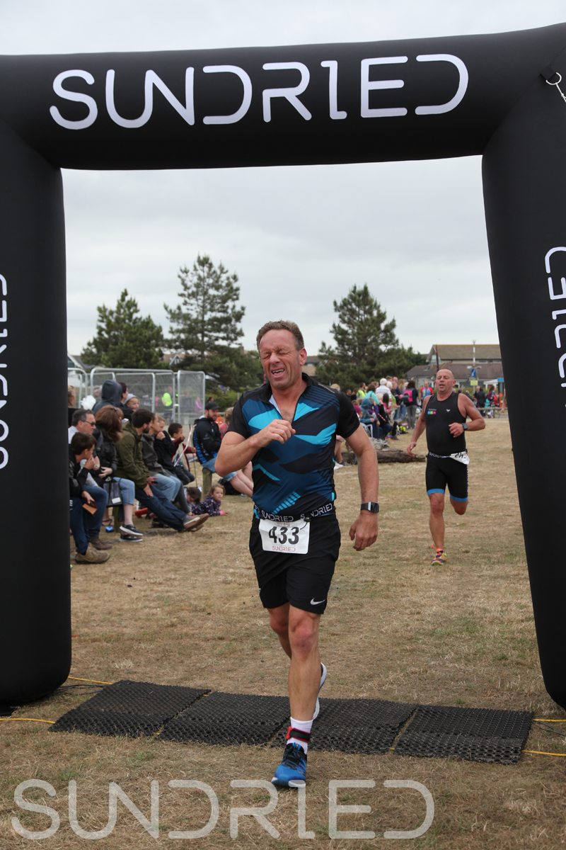 Sundried-Southend-Triathlon-2018-Run-Finish-350.jpg