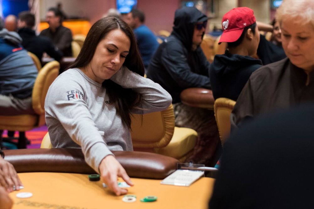"DANIELLE ""DMOONGIRL"" ANDERSON PROFESSIONAL POKER PLAYER"