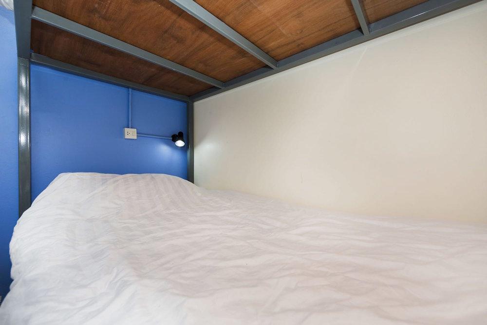 8-bed-female-dorm-hostel-dorm-room-7.jpg