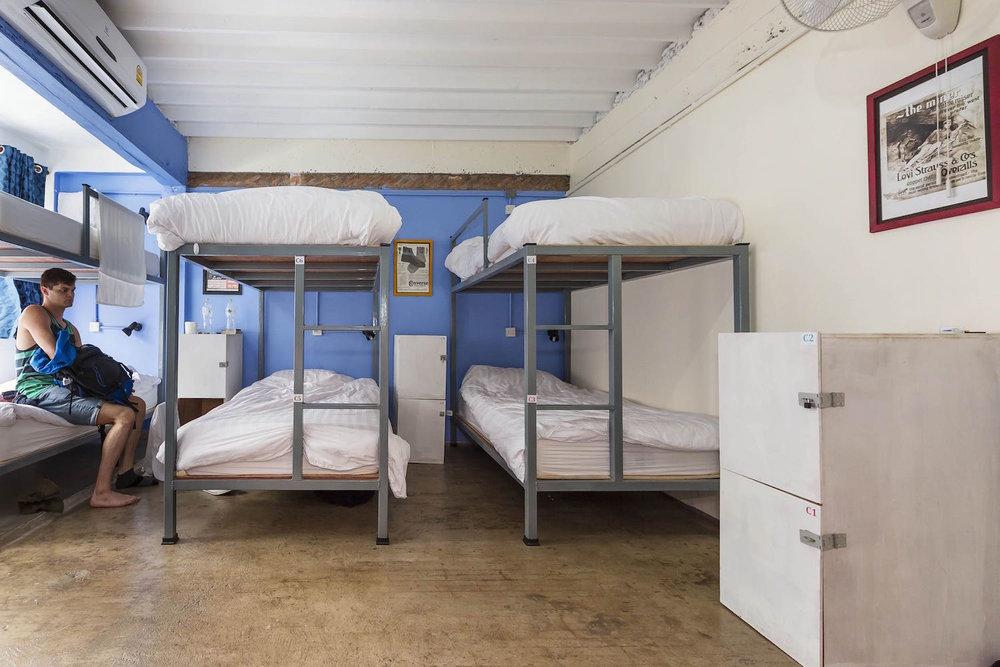 8-bed-dorm-hostel-dorm-room-1.jpg