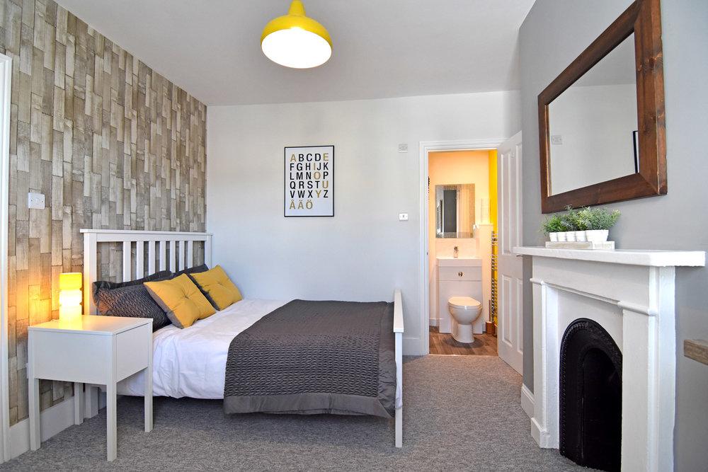 Room4pic1-sml.jpg