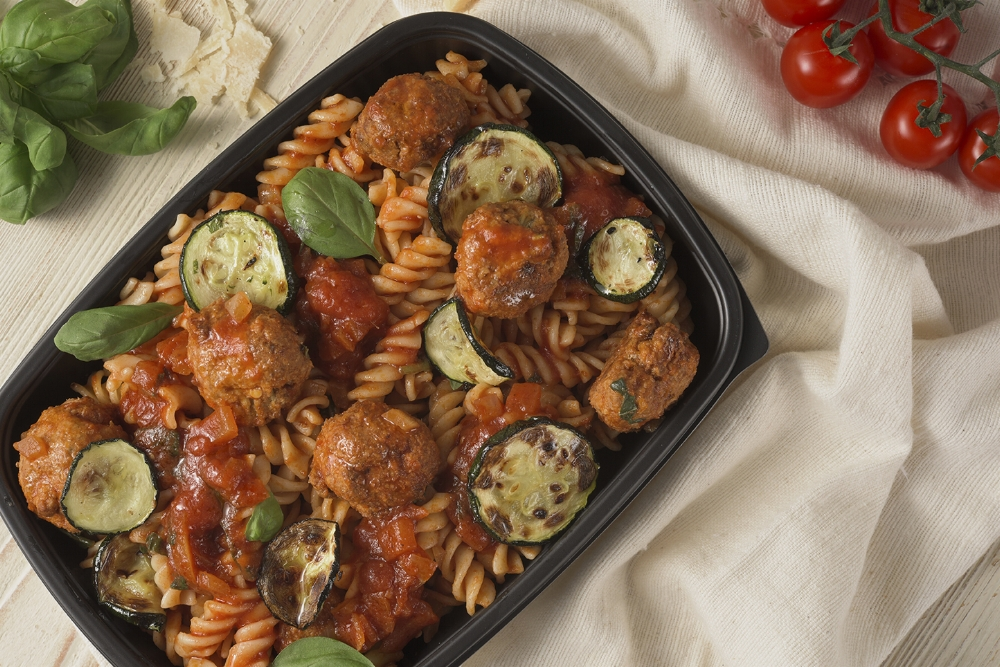 Pasta with Meatballs in Courgette and Tomatoes Sauce.jpg