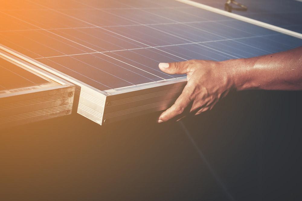 solar-panels-1477987_1920.jpg
