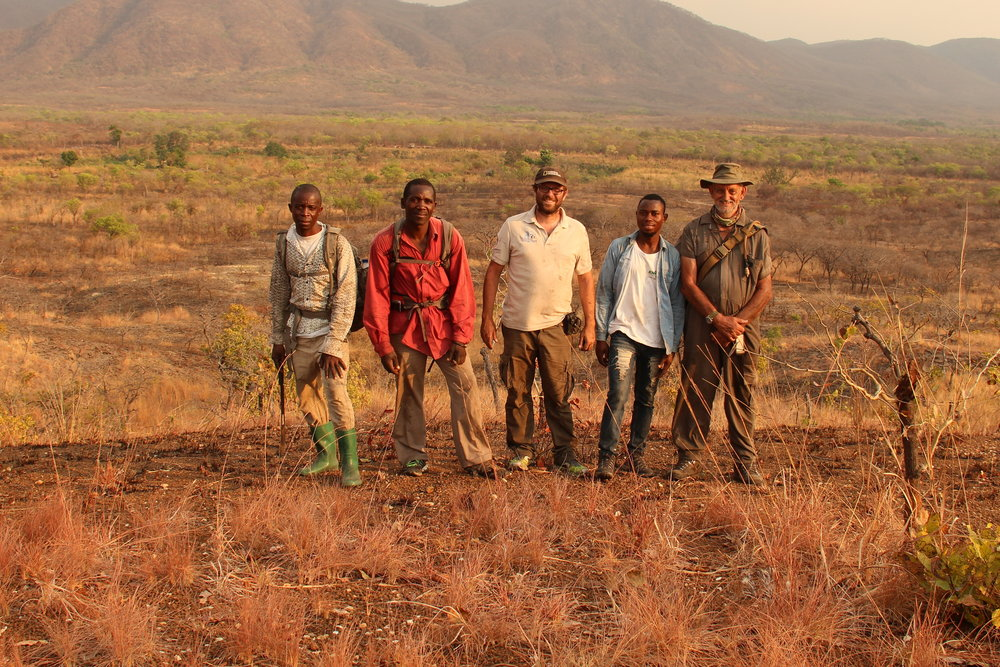 From the left to the right, Buanar Rashid, Gemusse Maganga, Ricardo Araújo, Zanildo Macungo and Steve Tolan after a long day of prospection.