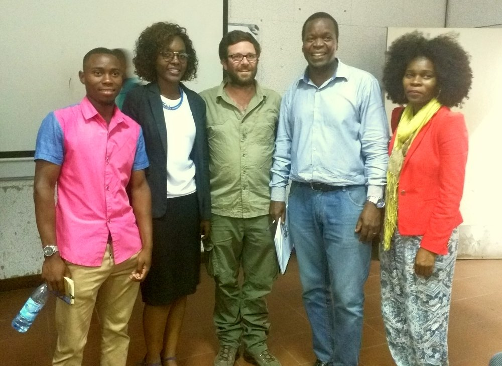 Ivânia Loide (second on the left) after defending her thesis brilliantly. She is the first Mozambican woman to have a scientific project in Paleontology.