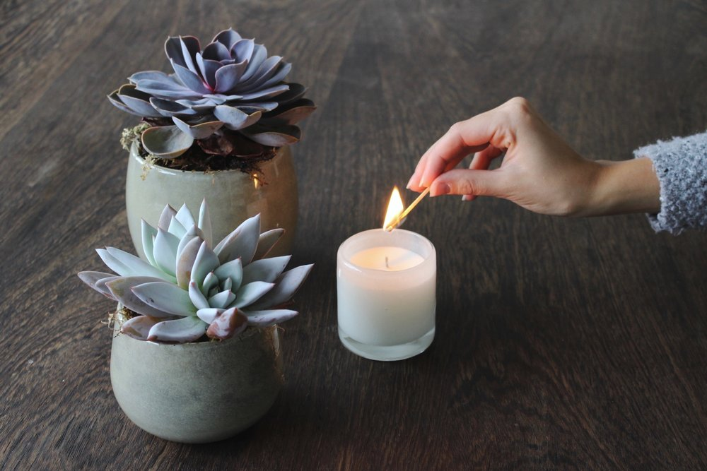 CANDLE CARE - TIPS & TRICKS FOR A LONG SAFE CANDLE LIFE
