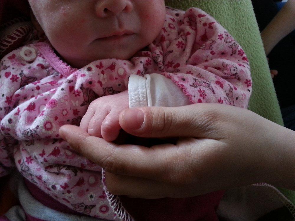 baby_holding_hands_hands.jpg