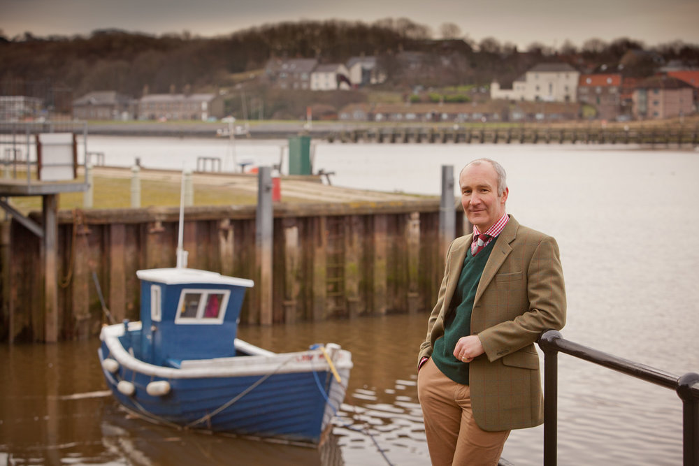 IMG_9983_pictorial-photography-berwick-photographer-portrait-natural-outside-estate-agent-harbour-headshot.jpg