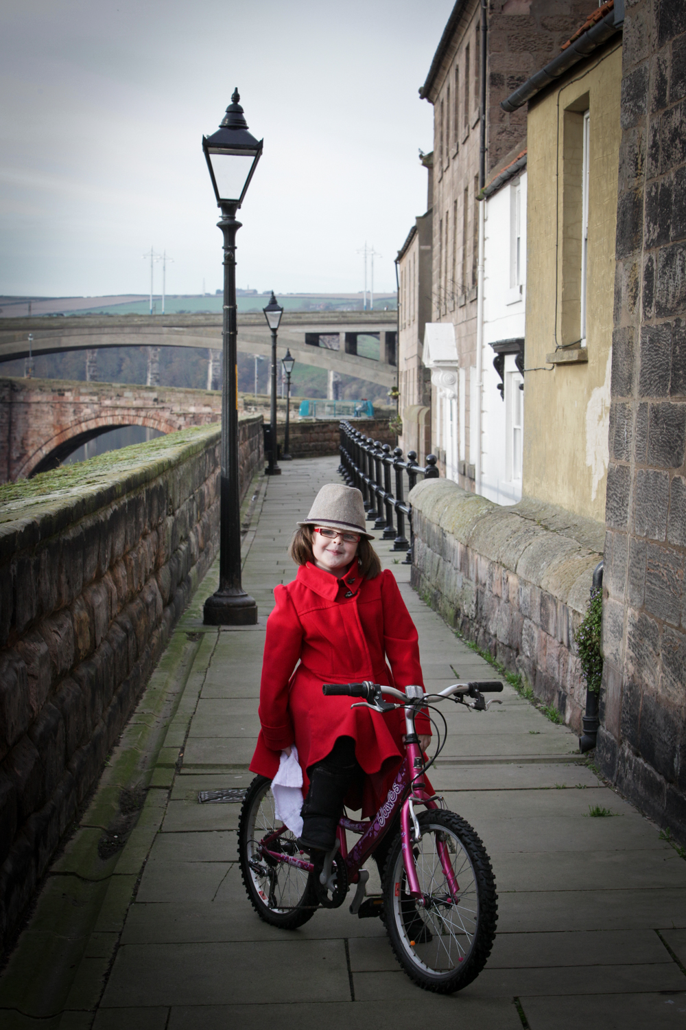 PICTORIAL_BERWICK_elizabethan-walls-bike-cyclist-portrait-child-2597.jpg