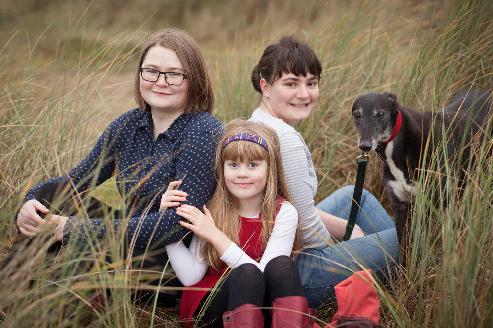 PICTORIAL_BERWICK_family-sisters-greyhound-cicily-university-children-dog-love-birthday-present-gift-voucher-8962.jpg
