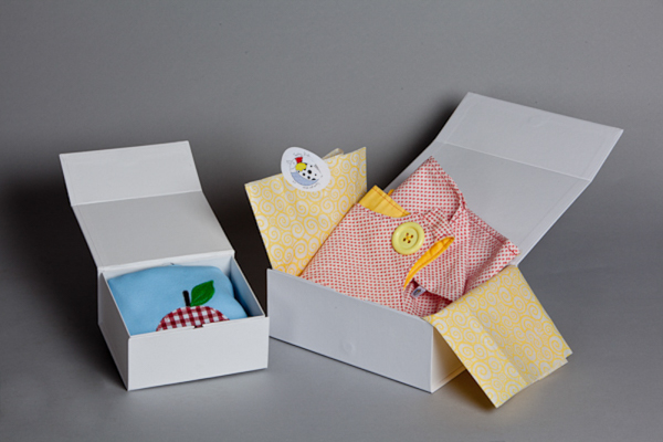 boxes for packaging children's and baby gifts by tumbling birds