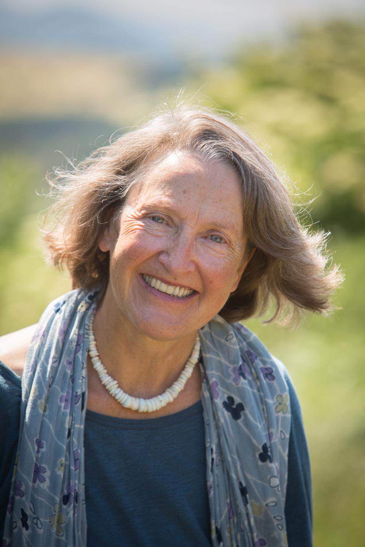 KathyTiernan-headshots-author-lindisfarne-cuthbert-cave-pictorial-berwick-writer-history--5.jpg
