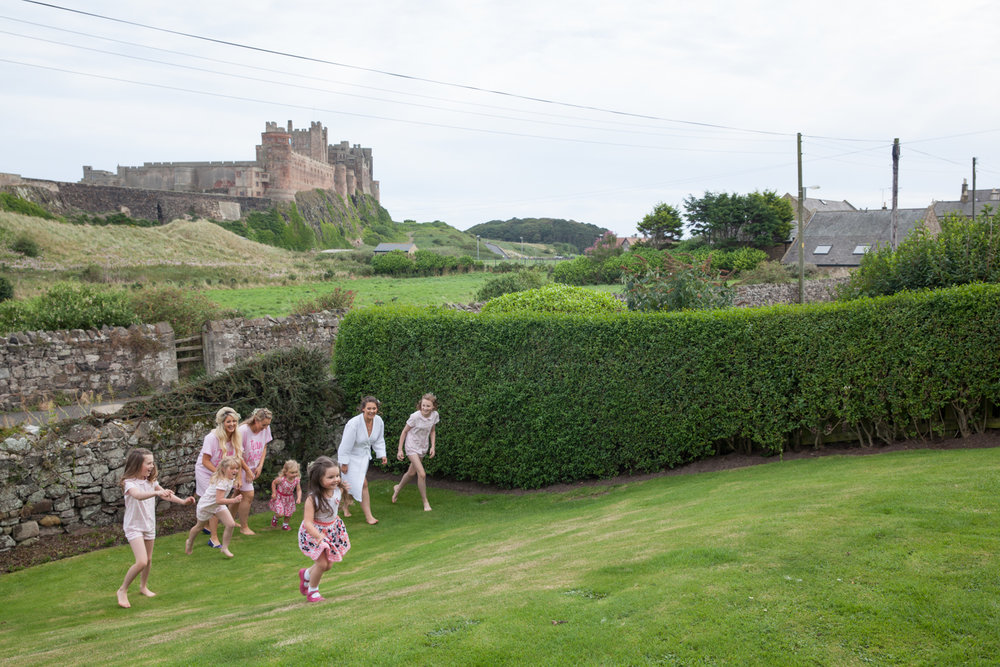 PICTORIAL_BERWICK_wedding_bamburgh_castle_tipi_farm_rodgersons_-1747.jpg