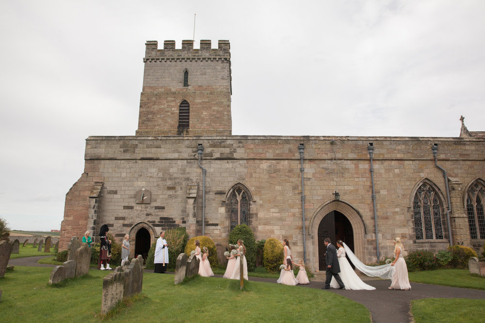 PICTORIAL_BERWICK_wedding_bamburgh_castle_tipi_farm_rodgersons_-1838.jpg