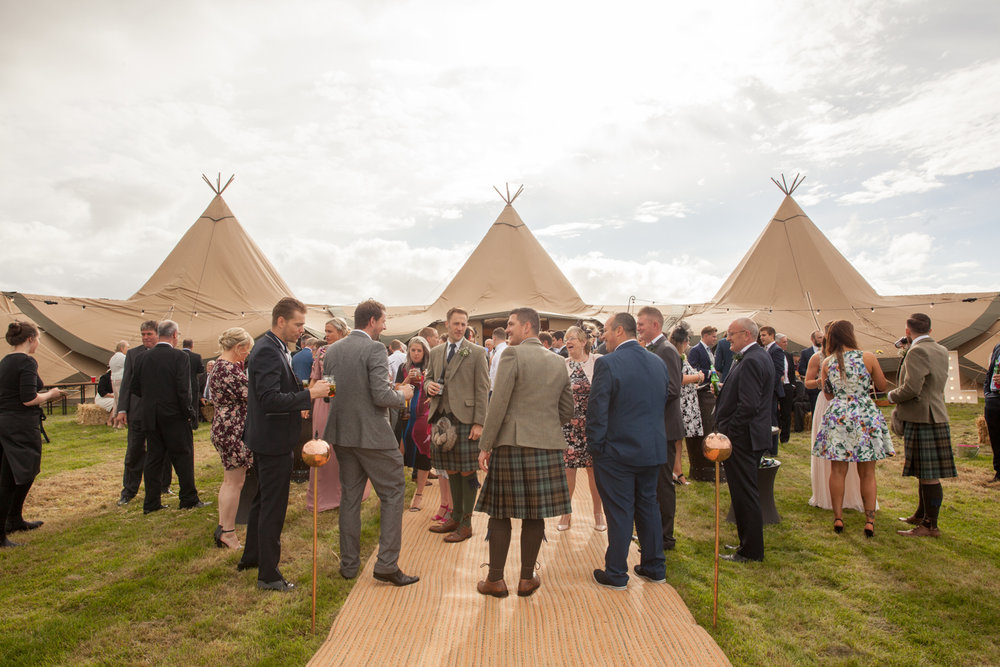 PICTORIAL_BERWICK_wedding_bamburgh_castle_tipi_farm_rodgersons_-2032.jpg