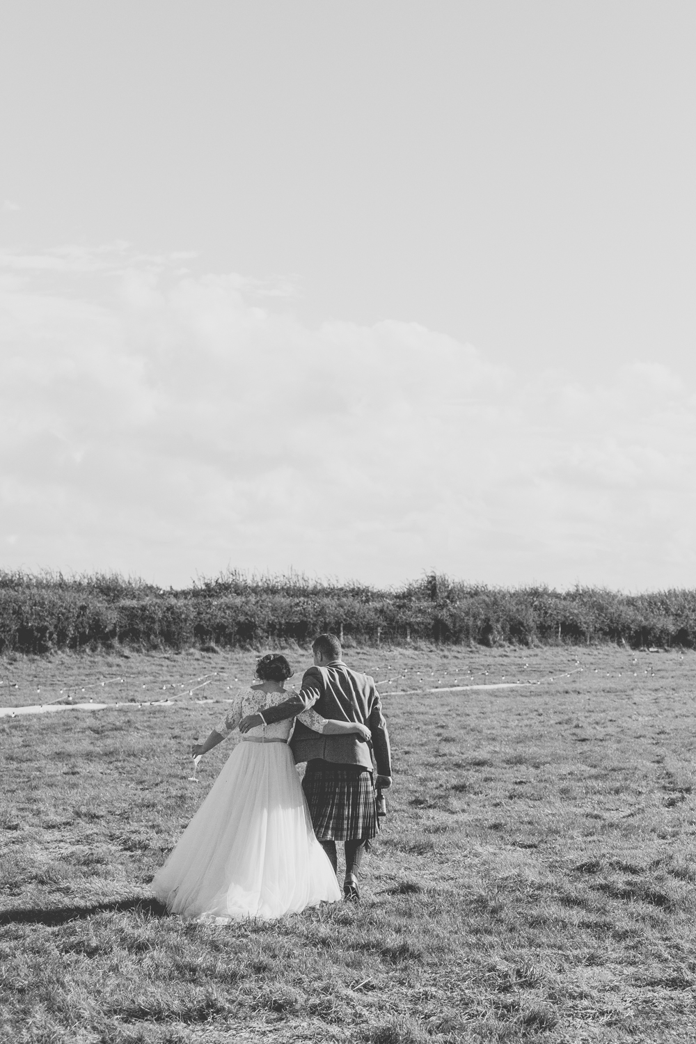 PICTORIAL_BERWICK_wedding_bamburgh_castle_tipi_farm_rodgersons_-2134.jpg